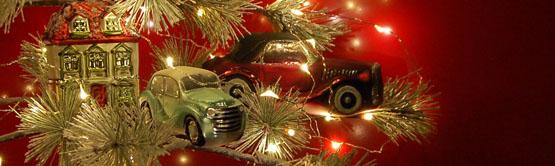 Weihnachtsbaum mit Haus und Autos